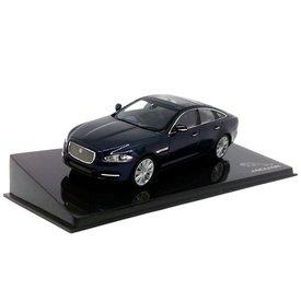Ixo Models Jaguar XJ Dark Sapphire - Modellauto 1:43