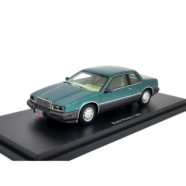 Model car Buick Riviera 1988 green metallic 1:43