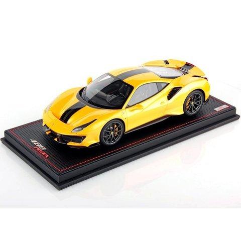 Ferrari 488 Pista geel - Modelauto 1:18