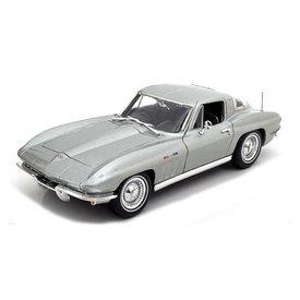 Maisto Modelauto Chevrolet Corvette 1965 zilver 1:18