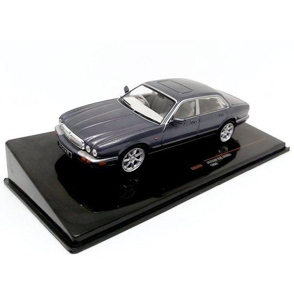 Modellauto Jaguar XJ8 (X308) 1998 grau metallic 1:43