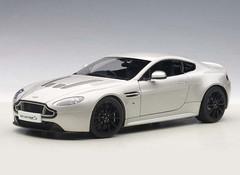 Artikel mit Schlagwort Aston Martin 1:18