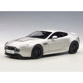 AUTOart Aston Martin V12 Vantage S 2015 zilver (RHD) - Modelauto 1:18