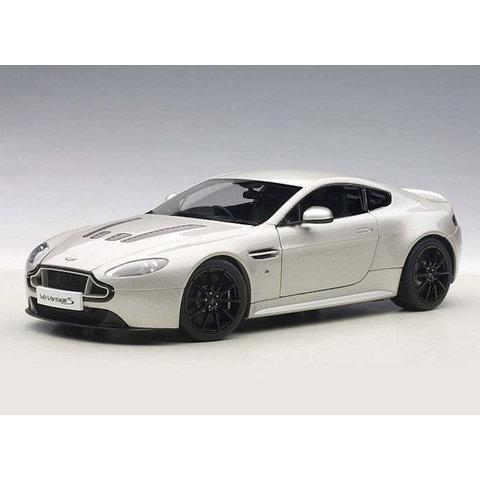 Aston Martin V12 Vantage S 2015 silver (RHD) - Model car 1:18