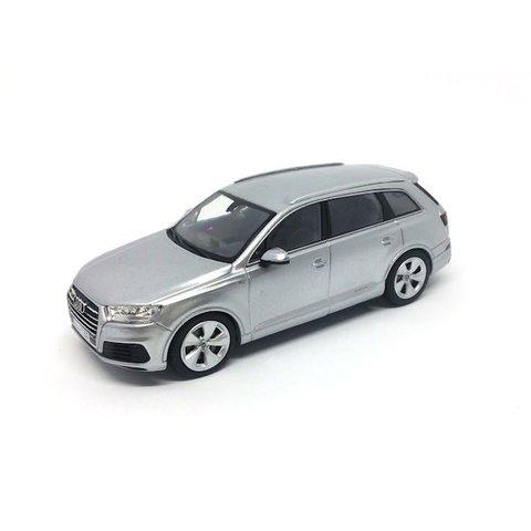 Audi Q7 2015 zilver - Modelauto 1:43