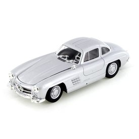 Welly Mercedes Benz 300 SL 1954 silver - Model car 1:24