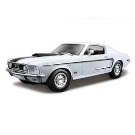Maisto | Model car Ford Mustang GT Cobra Jet 1968 white 1:18