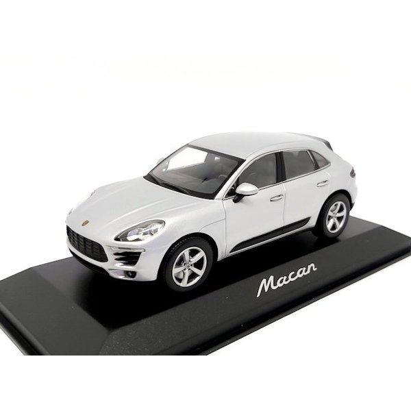 Model car Porsche Macan 2013 Rhodium silver 1:43 | Minichamps