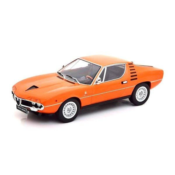 Model car Alfa Romeo Montreal 1970 orange 1:18