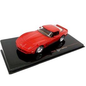 Ixo Models Chevrolet Corvette C3 1980 rood - Modelauto 1:43