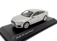 Products tagged with Audi A5 Sportback 1:43