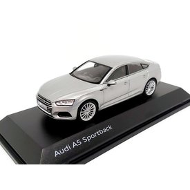 Spark Modelauto Audi A5 Sportback 2017 zilver 1:43