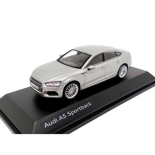 Modelauto Audi A5 Sportback 2017 zilver 1:43