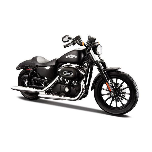 Modelmotor Harley Davidson Sportster Iron 883 2014 zwart 1:12