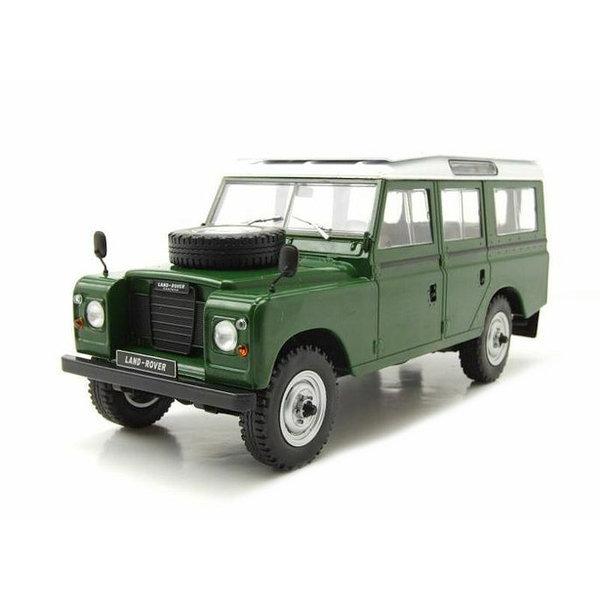 Modelauto Land Rover 109 Series III 1980 groen/wit 1:24