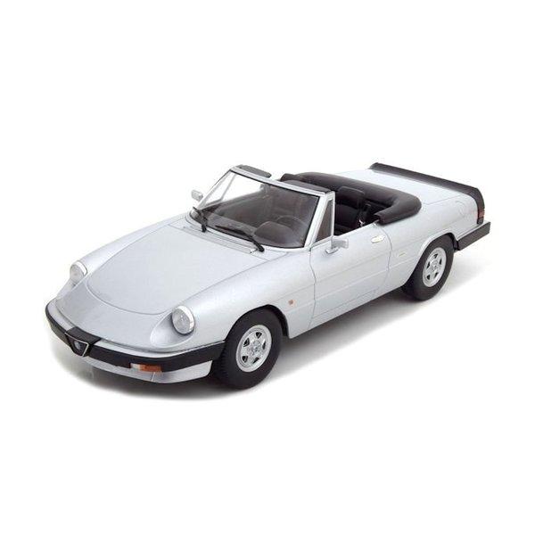 Modelauto Alfa Romeo Spider 3 serie 2 1986 zilver 1:18
