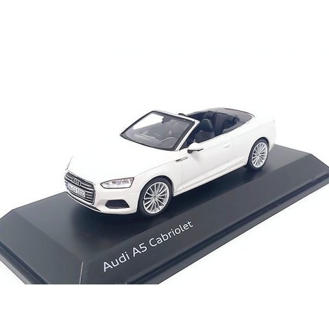 Audi A5 Cabriolet 2017 Tofanawit - Modelauto 1:43