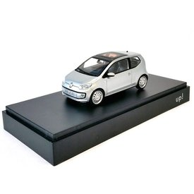 Schuco Volkswagen VW Up! 3-deurs zilver - Modelauto 1:43