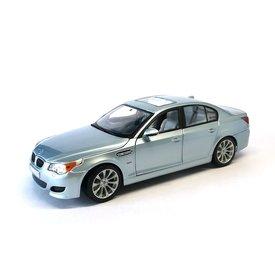 Maisto BMW M5 (E60) silver blue - Model car 1:18