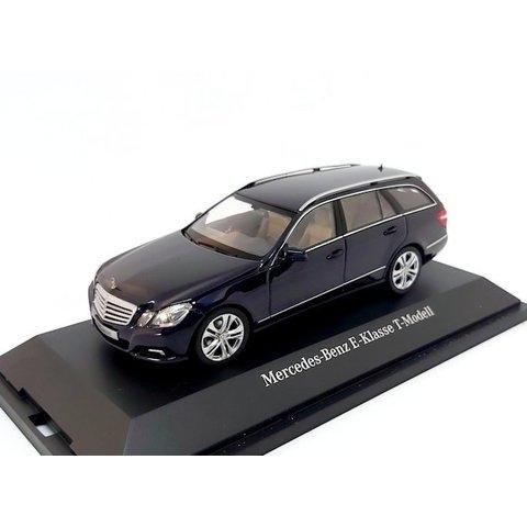 Mercedes Benz E-Class Estate 2009 dark blue metallic - Model car 1:43