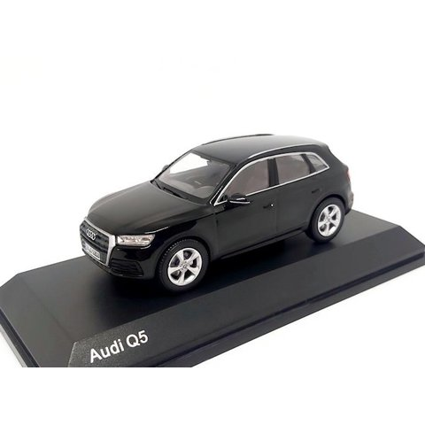 Audi Q5 2016 Myth black - Model car 1:43