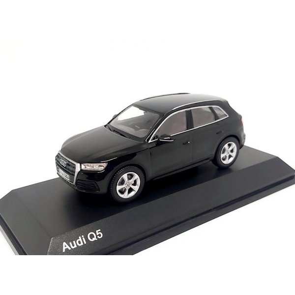 Model car Audi Q5 2016 Myth black 1:43
