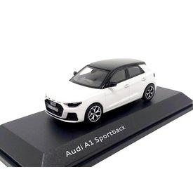 iScale Audi A1 Sportback 2018 wit metallic/zwart - Modelauto 1:43