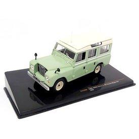 Ixo Models Land Rover 109 Station Wagon Serie II 1958 lichtgroen/beige - Modelauto 1:43
