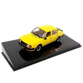 Ixo Models Skoda 120L 1983 geel - Modelauto 1:43