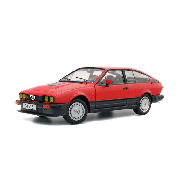 Modelauto Alfa Romeo GTV6 1984 rood 1:18 | Solido