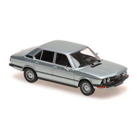 Maxichamps BMW 520 (E12) 1972 lichtblauw metallic - Modelauto 1:43