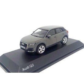 iScale Audi Q2 2016 Quantum grey - Model car 1:43