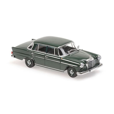 Mercedes Benz 190 (W110) 1961 donkergroen - Modelauto 1:43
