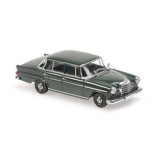 Modelauto Mercedes Benz 190 (W110) 1961 donkergroen 1:43
