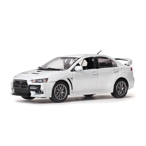 Model car Mitsubishi Lancer Evolution X pearl white 1:43