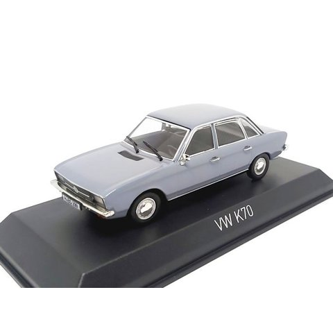 Modelauto Volkswagen K70 1970 lichtblauw metallic 1:43