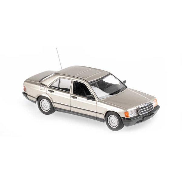 Modelauto Mercedes Benz 190E (W201) 1984 zilver metallic 1:43   Maxichamps