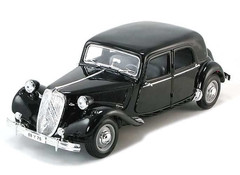 Products tagged with Citroen Traction Avant 1:18