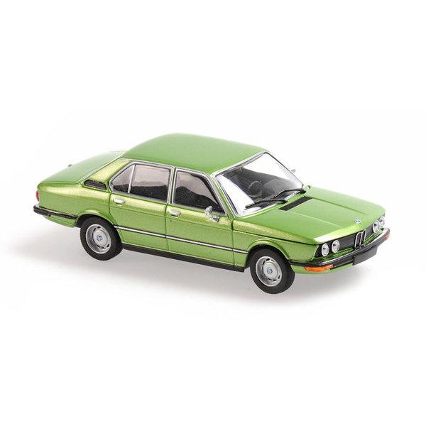 Model car BMW 520 (E12) 1974 green metallic 1:43 | Maxichamps