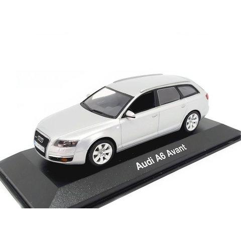 Modelauto Audi A6 Avant 2004 zilver 1:43