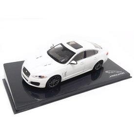 Ixo Models   Modelauto Jaguar XFR Polaris wit 1:43