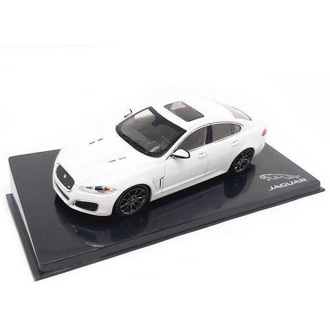 Jaguar XFR Polaris white - Model car 1:43