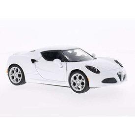 Motormax Model car Alfa Romeo 4C white 1:24