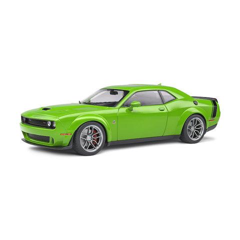 Dodge Challenger Scat Pack Widebody 2020 groen - Modelauto 1:18