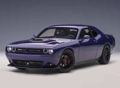 Products tagged with Dodge Challenger 1:18