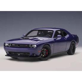 AUTOart Model car Dodge Challenger 392 HEMI Scat Pack Shaker 2018 purple 1:18