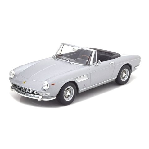 Model car Ferrari 275 GTS Pininfarina Spyder 1964 silver 1:18