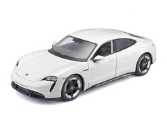 Products tagged with Porsche Taycan 1:24