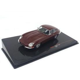 Ixo Models   Modelauto Jaguar E-type 1963 donkerrood 1:43