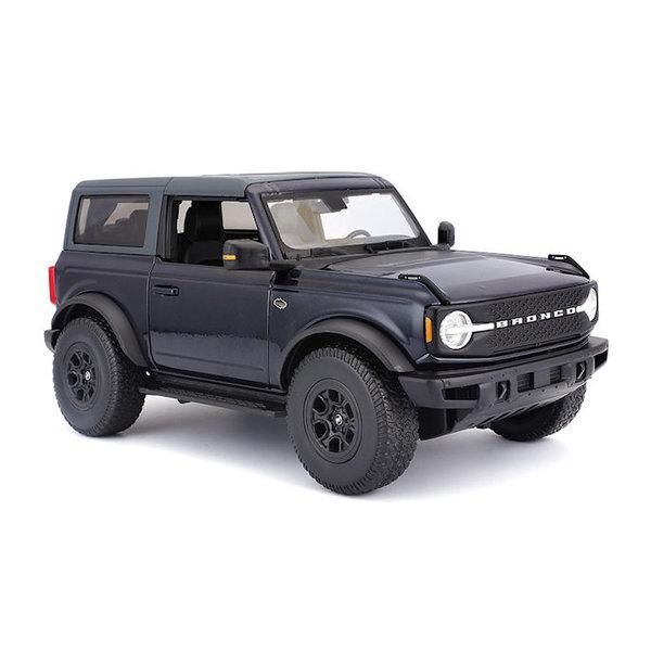 Ford Bronco Wildtrak 1:18 donkerblauw 2021   Maisto